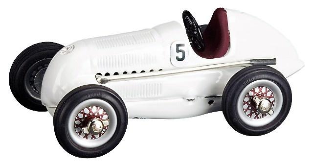 Mercedes Benz Flecha de Plata (1936) con figuras Schuco 01004