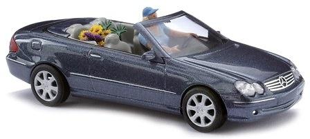 Mercedes CLK Cabrio Abierto -W209- con figura y acc. (2003) Busch 49401 1/87