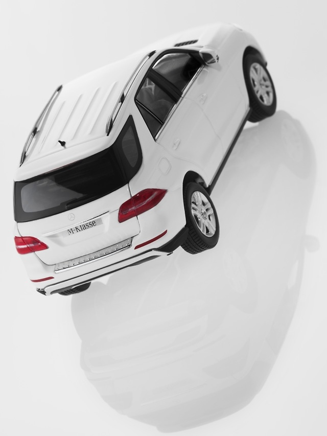 Mercedes Clase M -W166- ML (2011) Minichamps B66960062 1:43