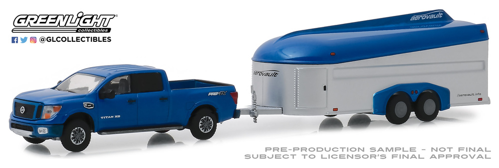Nissan Titan XD Pro-4X con trailer Aerovault MKII (2018) Greenlight 32170D 1/64