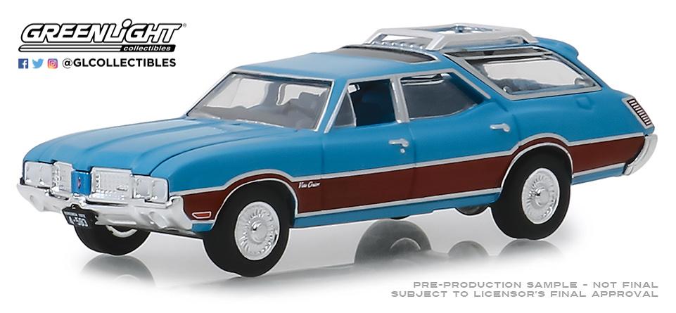 29950-D 1:64 Estate Wagons Series 3 - 1972 Oldsmobile Vista Cruiser - Viking Blue and Wood Grain Solid Pack