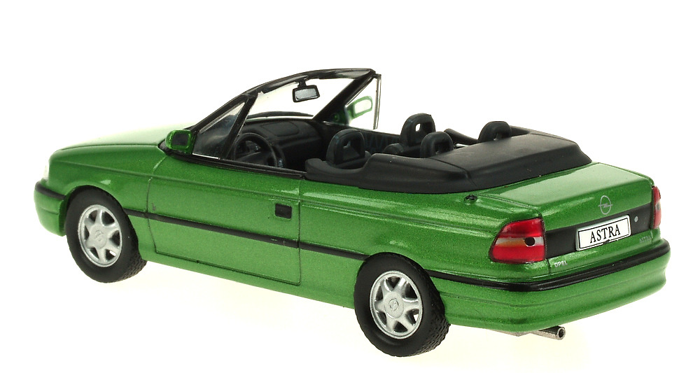 Opel Astra F Cabriolet (1992) Ixo 1/43 Eaglemoos Publications