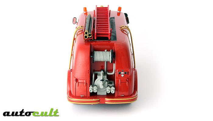 Pegaso Z-203 mofletes (1956) Autocult 12005 1/43