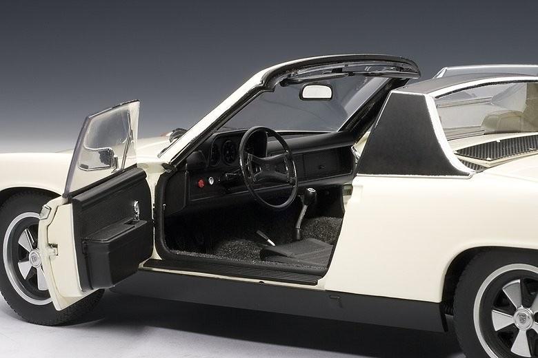Porsche 914/6 (1970) Autoart 77933 1/18