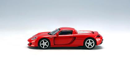 Porsche Carrera GT (2003) Autoart 20633 1/64
