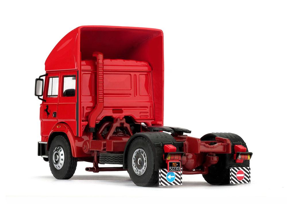 Race Transporter Set Scuderia Ferrari