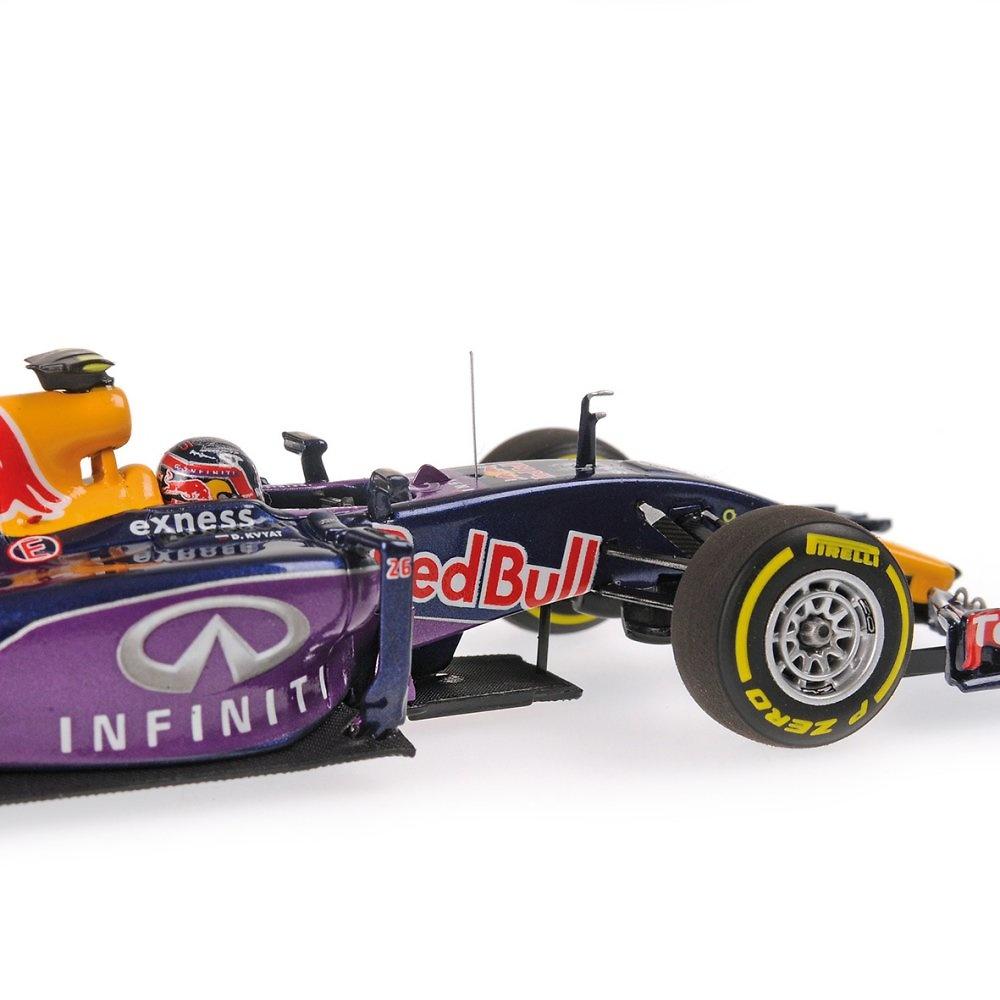 Red Bull RB11 nº 3 Daniil Kvyat (2015) Minichamps 417150026 1:43