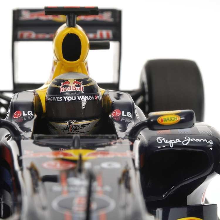 Red Bull RB6 nº 5 Sebastian Vettel (2010) Minichamps 110100005 1/18
