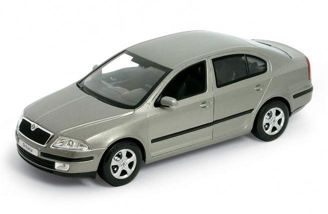 Skoda Octavia Serie II (2004) Welly 22474 1:24