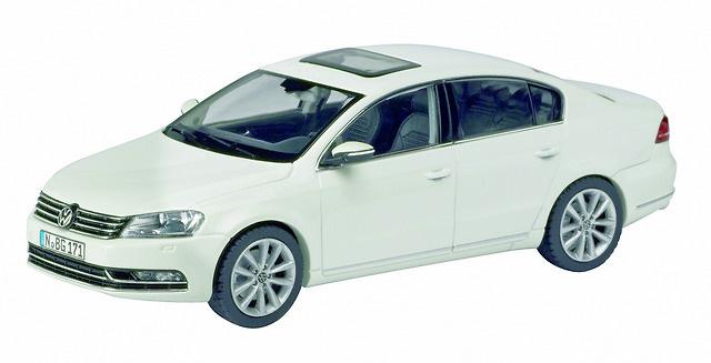 Volkswagen Passat (2010) Schuco 450743100 1/43