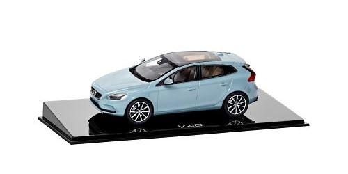 Maqueta del Volvo V40 de 2016 fabricada por Norev en miniatura a escala 1/43
