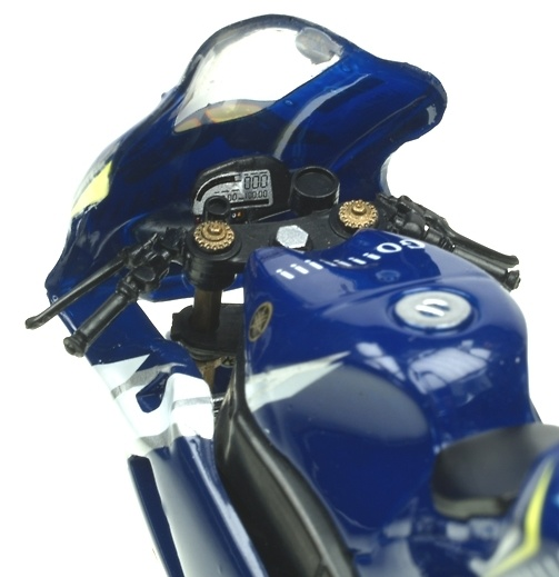 Yamaha YZR M1 nº 46 Valentino Rossi (2005) Italeri 45072 1/22