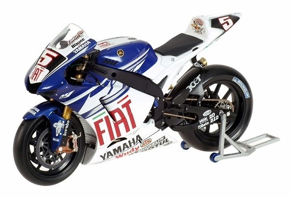 Yamaha YZR-M1 nº 5 Colin Edwards (2007) Minichamps 122073005 1/12
