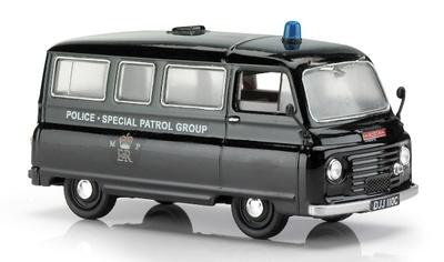 "Austin-Morris J2 van/bus ""Metropolitan Police SPG"" (1970) Corgi 1/43"