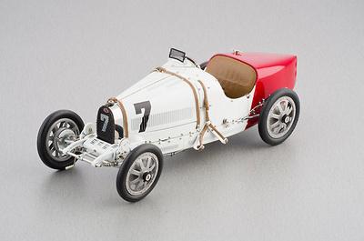 """Bugatti Tipo 35 """"Equipo de Polonia"""" nº 7 (1926) CMC 1:18"""