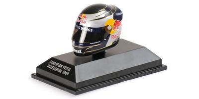 "Casco Arai ""GP. Gran Bretaña"" Sebastian Vettel (2009) Minichamps 1:8"