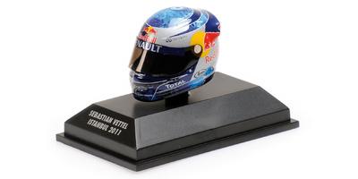 """Casco Arai """"GP. Turquia"""" Sebastian Vettel (2011) Minichamps 1:8"""