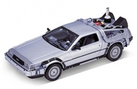 "De Lorean ""Regreso al Futuro II"" Welly 1:24"