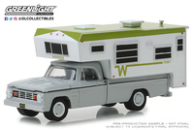 Dodge D-100 con Winnebago Camper (1966) Greenlight 1/64