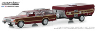 Ford LTD Country Squire + Carabana Plegable (1981) Greenlight 1/64