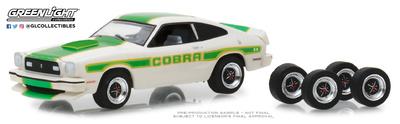 Ford Mustang II Cobra II con juego de 4 llantas y neumáticos (1978) Greenlight 1/64