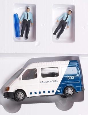 """Ford Transit """"Policia Municipal"""" con figuras Aneste 4260 1/87"""