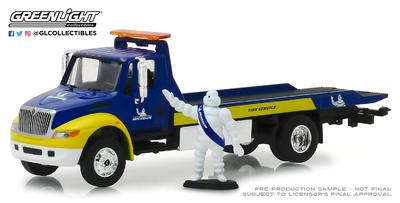 "International Durastar Plataforma ""Servicio Michelin"" con Figura Bibendum (2013) Greenlight 1/64"