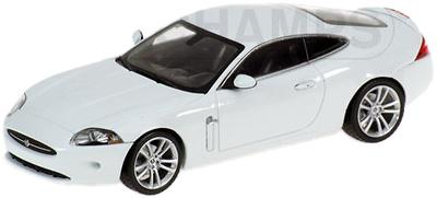 """Jaguar XK Coupé """"White Edition"""" (2005) Minichamps 1/43"""