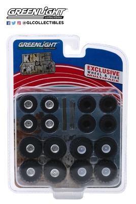 """Juego de 16 llantas con neumáticos y ejes """"Kings of Crunch"""" Greenlight 1/64"""