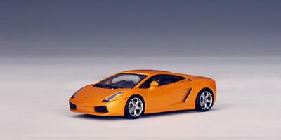Lamborghini Gallardo (2003) Autoart 1/64