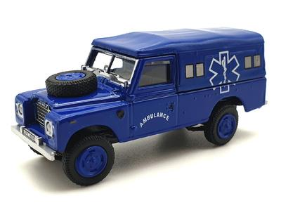Land Rover 109 Serie 3 Ambulancia (1971) Cararama 1/72
