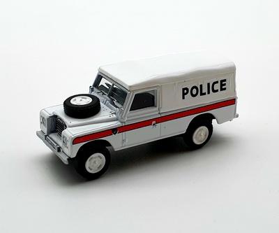"""Land Rover 109 Serie 3 """"Police"""" (1971) Cararama 1/72"""