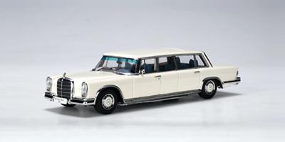 Mercedes 600 LWB -W100- (1964) Autoart 1/43