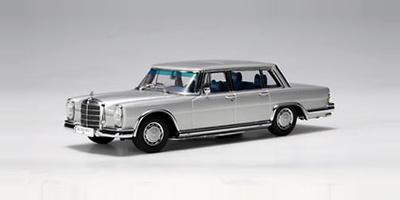 Mercedes 600 SWB -W100- (1964) Autoart 1/43