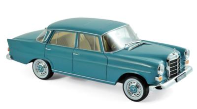 Mercedes Benz 200 -W110- (1966) Norev 1:18