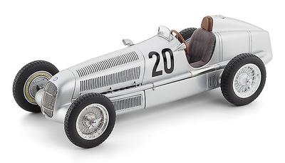 Mercedes Benz W25 Eifelrennen nº  20  M. von Brauchitsch (1934) CMC 1/18