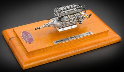 Motor Maserati 300S (1956) CMC 1:18