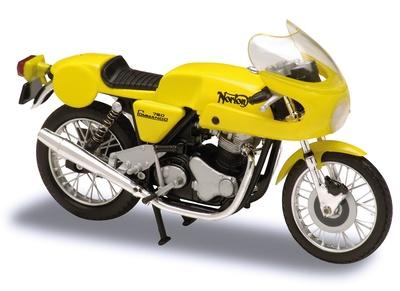Norton 750 Commando (1967) Solido 1/18