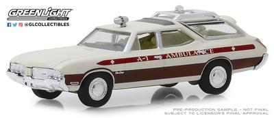 "Oldsmobile Vista Cruiser Texas ""Ambulance"" (1970) Greenlight 1/64"