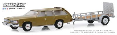 Pontiac LeMans Safari con remolque (1977) Greenlight 1/64