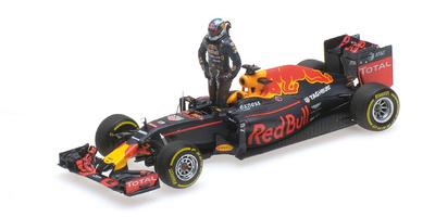 """Red Bull RB12 """"GP. Austria"""" nº 3  Daniel Ricciardo con figura (2016) Minichamps 1:43"""