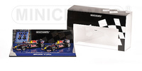 "Red Bull RB5 ""GP. China"" Set 2 u. Sebastian Vettel y Mark Webber (2009) Minichamps 1/43"