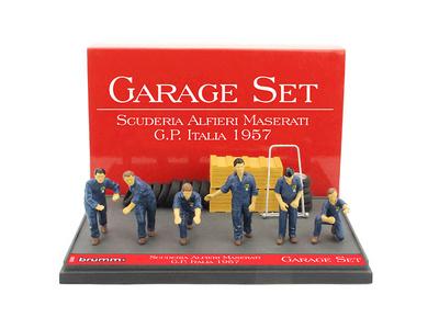 "Set Garage de 6 mecánicos con accesorios Escudería Maserati ""GP. Italia"" (1957) Brumm 1:43"