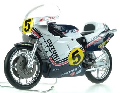 Suzuki RG 500 -XR35- nº 5 Marco Lucchinelli (1981) Italeri 1/22