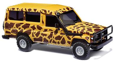 """Toyota Land Cruiser J70 HZJ78 """"Safari"""" (1984) Busch 43508 1:87"""