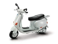 Vespa 125 ET4 (1996) New Ray 1/32
