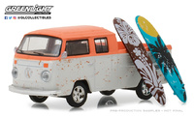 Volkswagen T2 Doble Cabina Pick-Up con tablas de Surf (1970) Greenlight 1/64